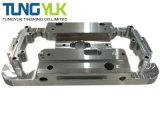 アルミニウム版のためのカスタマイズされたCNCの精密製粉の機械化の部品