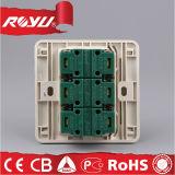 Zoccoli di parete elettrici 220V di Pin della plastica 2 multi