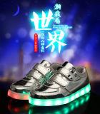 Famosa Sport Equipamento com luz LED de baixo preço de Calçado Kids Tênis Fabricantes
