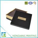 Caixa vazia do cartão de papel do presente para o chocolate