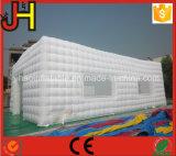 イベントのための屋外の白く膨脹可能なテント