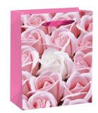 Конструкция цветков подгоняет напечатанный логосом мешок подарка изготовленный на заказ бумажный