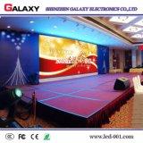 En el interior a todo color de LED de alquiler de video wall firmar con un ángulo de bloquear la instalación rápida