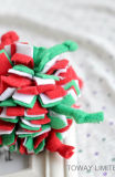 Weihnachtshaustier-Spiel-Zubehör-Samt-Hunderobe-Kugel-Spielwaren