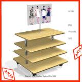 Étagère en bois télécabine de vêtements d'affichage