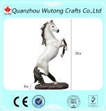 중국 공급자는 수지 현실적 뛰어오르는 말 조각품 동상을 도매한다