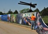 옥외 담 메시 기치를 광고하는 대규모 바람 저항하는 경기장