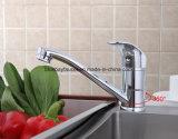 Taraud de mélangeur de chrome d'eau chaude et froide de cuisine de robinet monté par paquet de bassin