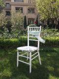백색 색깔 결혼식을%s 나무로 되는 Chiavari 의자는 사용했다 (CGW1604)