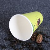 Coupe en papier de consommation de jus de fruits et de jus de haute qualité