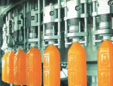 Suco que fazem e sumo de laranja da máquina de empacotamento que faz a máquina a linha de produção natural do suco de fruta