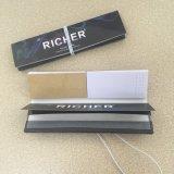 Soem ungebleicht/weiße Filter-Spitzen, die Zigaretten-Walzen-Papier rauchen