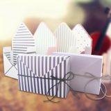 Пользовательское поле бумаги в сложенном виде/ отображения цветов картонная коробка
