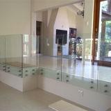 Los diseños de baranda de Balcón Piscina de acero inoxidable barandilla de vidrio pasamanos de colocación de parches
