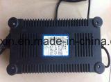 48V12ah電気自転車および自動車に使用するスマートな鉛酸蓄電池の充電器