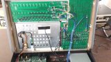 Uscite di tocco 10 della tigre di Avolites con l'UPS all'interno della sezione comandi dell'indicatore luminoso di tocco di Tigher