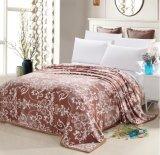 Doux superbes chauffent la couverture estampée /Bedding d'ouatine de flanelle