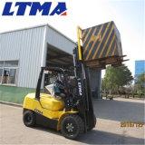 Un carrello elevatore diesel idraulico da 3.5 tonnellate di Ltma con la baracca