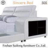 8001 실제적인 가죽 현대 침대