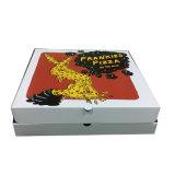 أربعة ألوان يغضّن بيتزا يعبّئ صندوق ([فب8039115])