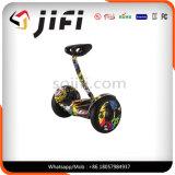 Individu d'usine équilibrant le scooter électrique intelligent de 2 roues de Jifi