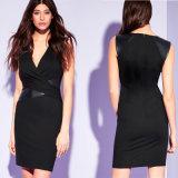Dame-schwarze einfarbige hergestellte Kleid-Büro-Abnützung