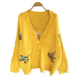 La donna di lana Buttfly del maglione progetta il cardigan per le signore
