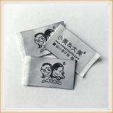 Etiquetas pequenas da camisa do tamanho da tela barata feita sob encomenda para a roupa