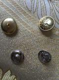 La queue d'or en métal à coudre les boutons de mode