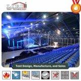 tende esterne del partito di 20X50m con le decorazioni del rivestimento per il concerto di musica