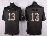탬파베이 시내는 Evans 잭슨에 의하여 주문을 받아서 만들어진 미식 축구 Jerseys를 했다