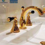 Misturador dourado do Faucet da bacia de 3 maneiras