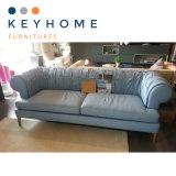 居間の家具のイタリアのチェスターフィールドの革ソファー