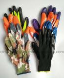 Перчатки нитрила Coated промышленные работая