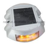LED en plastique durable de haute réfléchissant Solar Cat Eyes goujon de route