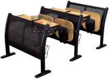 Vector y silla del paso de progresión del estudiante de los muebles de la sala de clase de la escuela para la escala