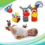 Karikatur-Baby-Spielwaren 0-12 Monate Socken-weiche Tier-rattern das neugeborene Kind-Kind