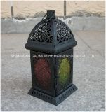 Escavazione fuori del supporto di candela della lanterna del metallo, supporto di candela