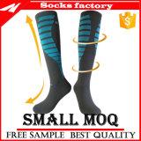 Mann-Frauen-Knie-hohe Komprimierung-Socken mit Ausdehnungs-Nylon