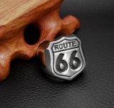 """""""ルート66 """"のステンレス鋼の方法人のリングの明るい銀製盾"""