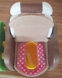 La silla insignificante del bebé de la dimensión de una variable del oso embroma a bebé del amaestrador del tocador insignificante
