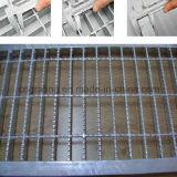 Pisada de escalera Grating galvanizada sumergida caliente de la barra de acero en diversas áreas