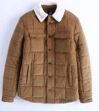製造業者の人のコーデュロイおよびShearlingの毛皮のコート