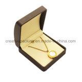 Cadre en cuir fabriqué à la main de collier de bijou d'unité centrale