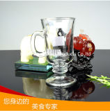 ガラスビールコップのハンドルが付いている小型ビールのジョッキのコーヒー・マグのガラスティーカップ