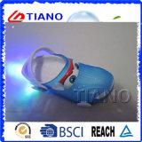 Zapatos al por mayor baratos luminosos Niños Zuecos (TNK40078)