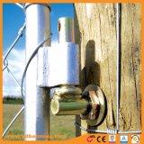 熱いすくいの電流を通された管の田園管状の農場のゲート