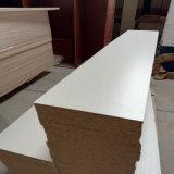 Pièces de petite taille de meubles coupées par vente en gros de panneau de particules de mélamine de parties