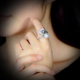 De zwart-witte Ring van de Manier van de Fabriek van de Juwelen van de Parel Imitatie In het groot Bijkomende