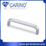 Maniglia del metallo della mobilia degli armadi da cucina di alta qualità di buona qualità (GDC3074)